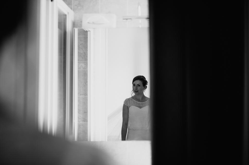 preparatifs mariée miroir prête voile