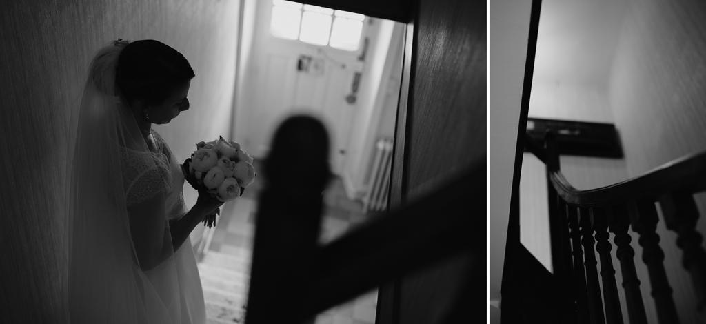escalier mariée prête bouquet fleurs porte