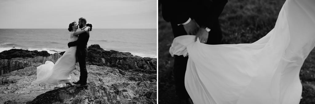 couple robke noir et blanc vent main