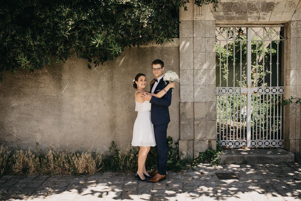 Noirmoutier mariage Vendée photos couple mariage mur belle maison grille jardin