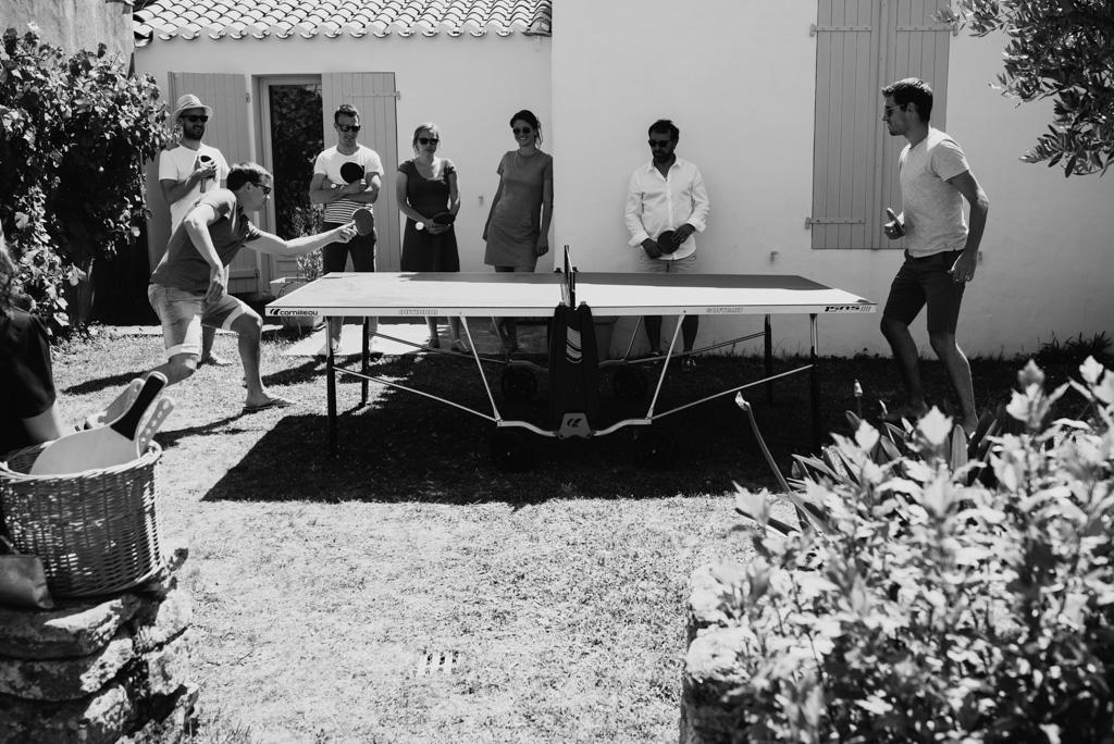 partie ping pong mariage détendu soleil