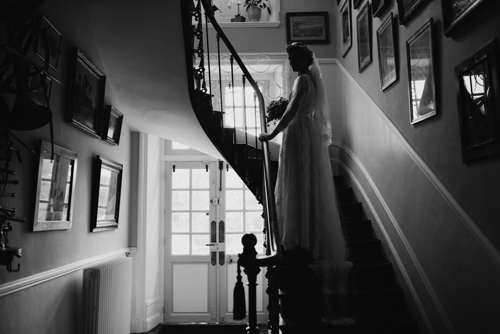 mariée escalier entrée château