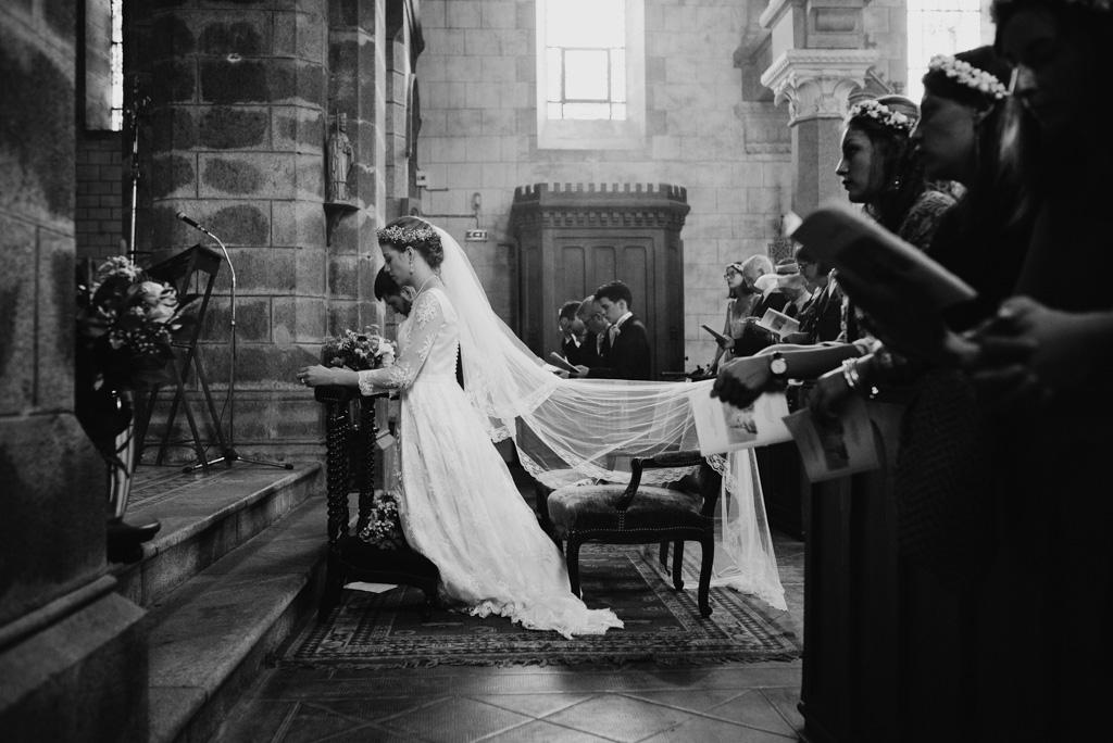 église mariage noir et blanc Mayenne
