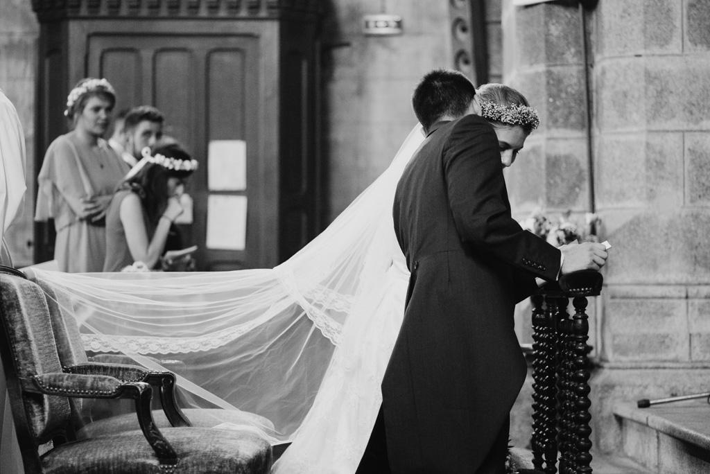 voile fauteuil mariage chuchotement mariés