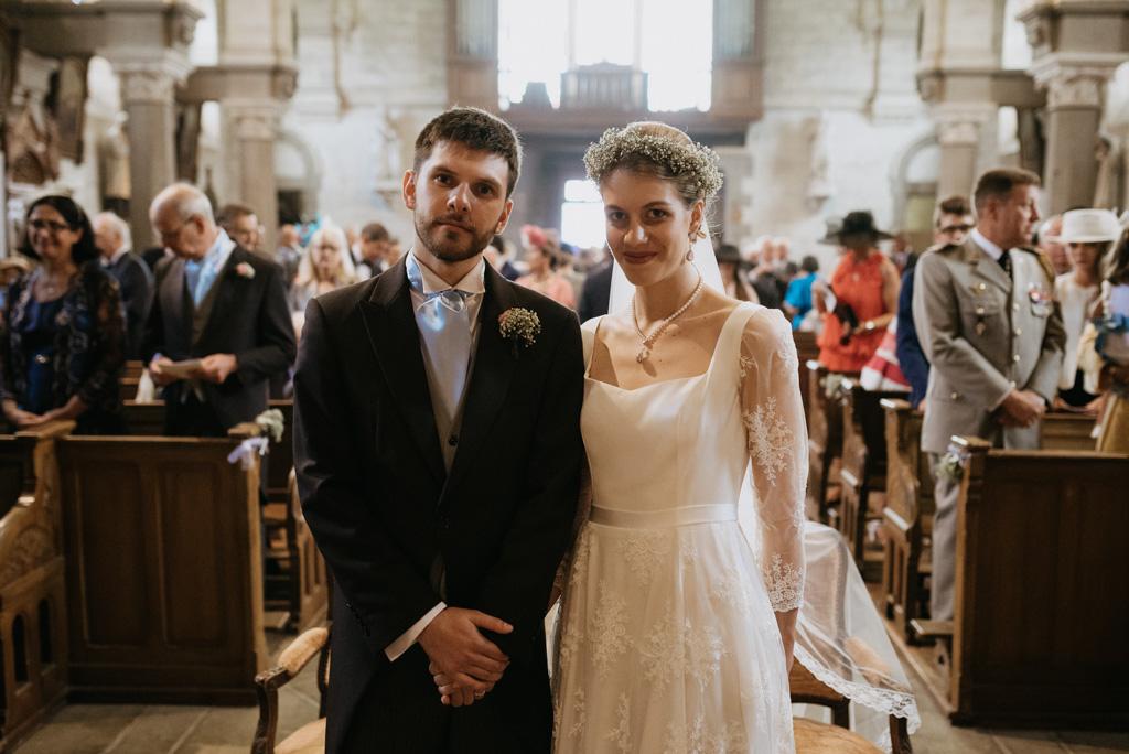 mariés couple église