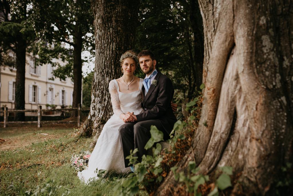arbres couple assis tronc château Mayenne