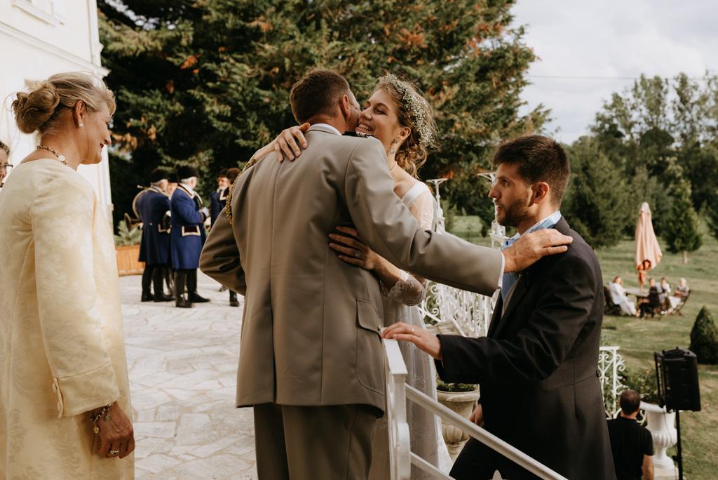 embrassade félicitations parents mariés discours