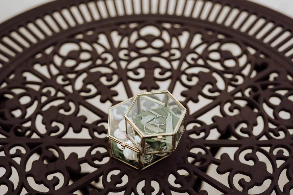 table fer forgé boîte alliances pièces argent