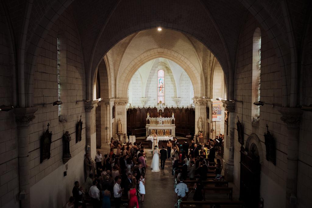 entrée église velluire