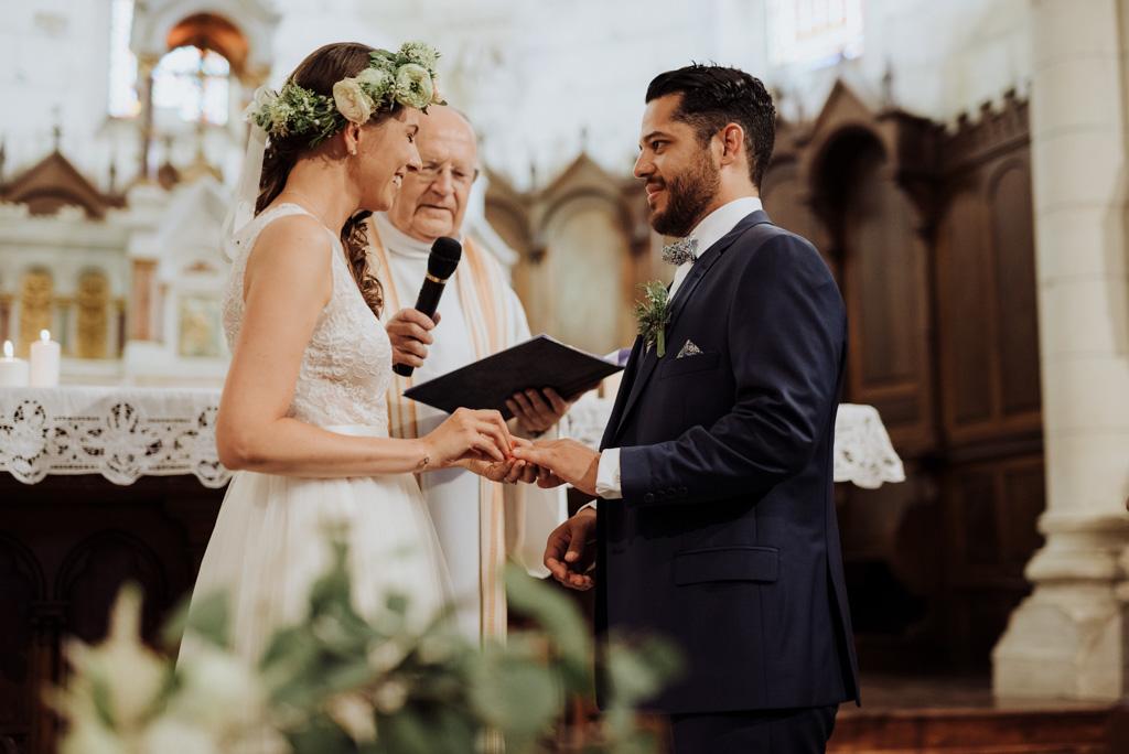 échange alliances cérémonie religieuse