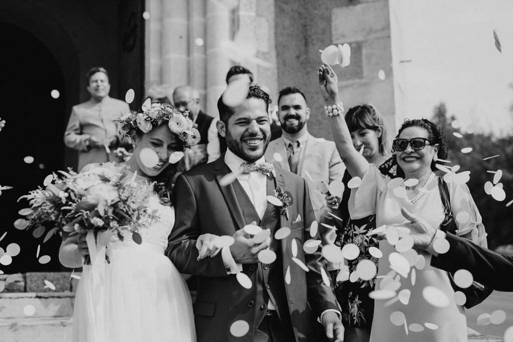 sortie églsie noir et blanc mariage