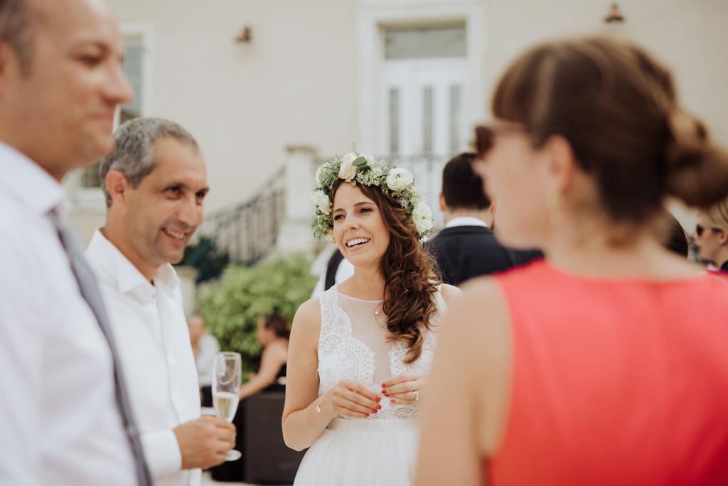 cocktail mariée sourit mariage château Sébrandière Vendée