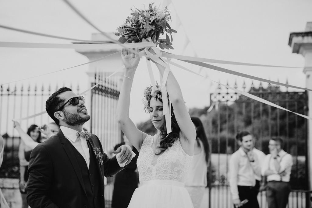 bouquet rubans noir et blanc marié