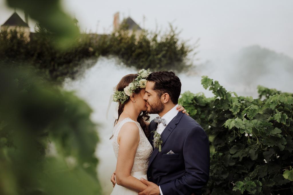 mariage vendée Sébrandière séance couple vigne fumigène