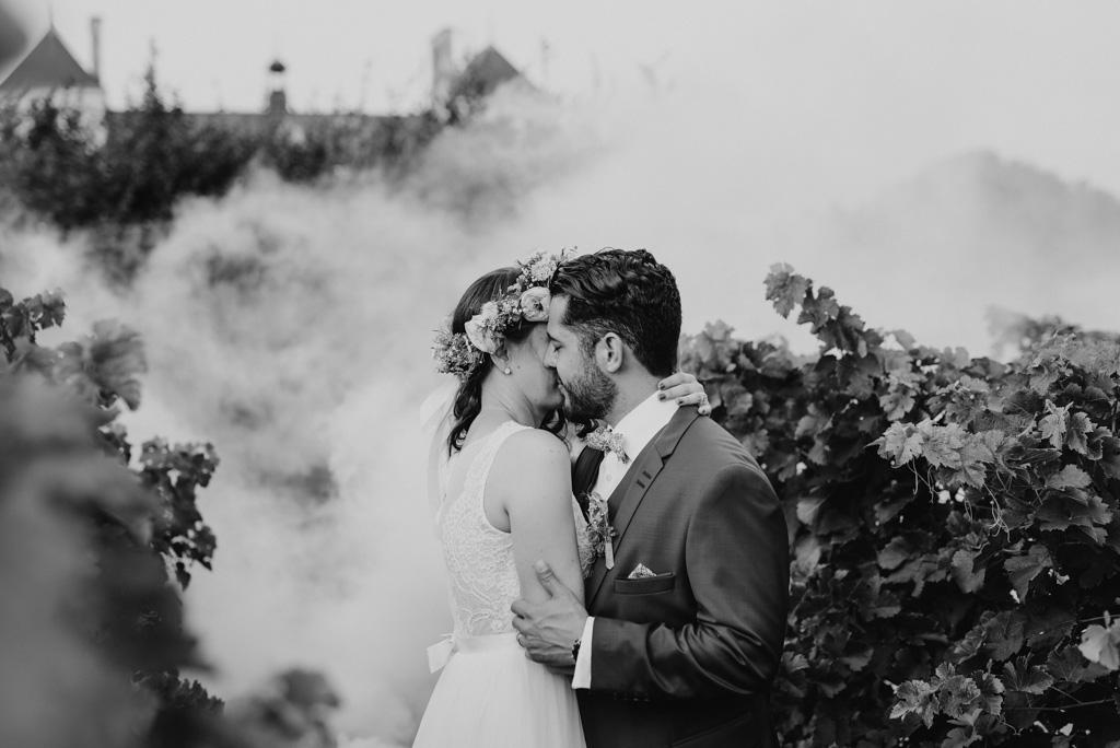 vignes château sébrandière fumigènes noir et blanc