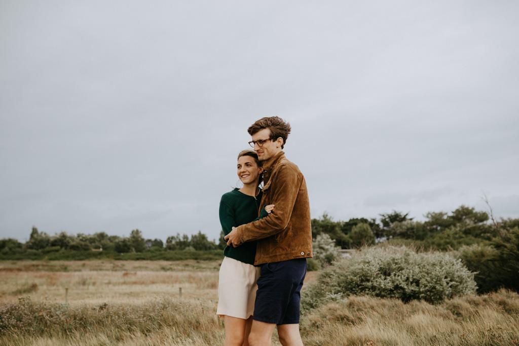 couple séance engagement vent côte Morbihan Bile
