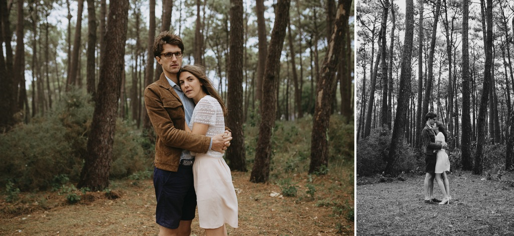couple enlacé arbres élancés noir blanc romantique