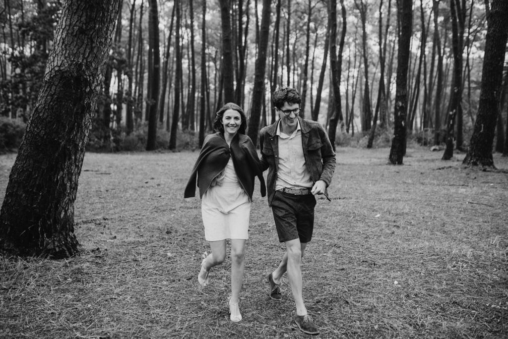 couple homme femme court pluie gilet arbres Assérac