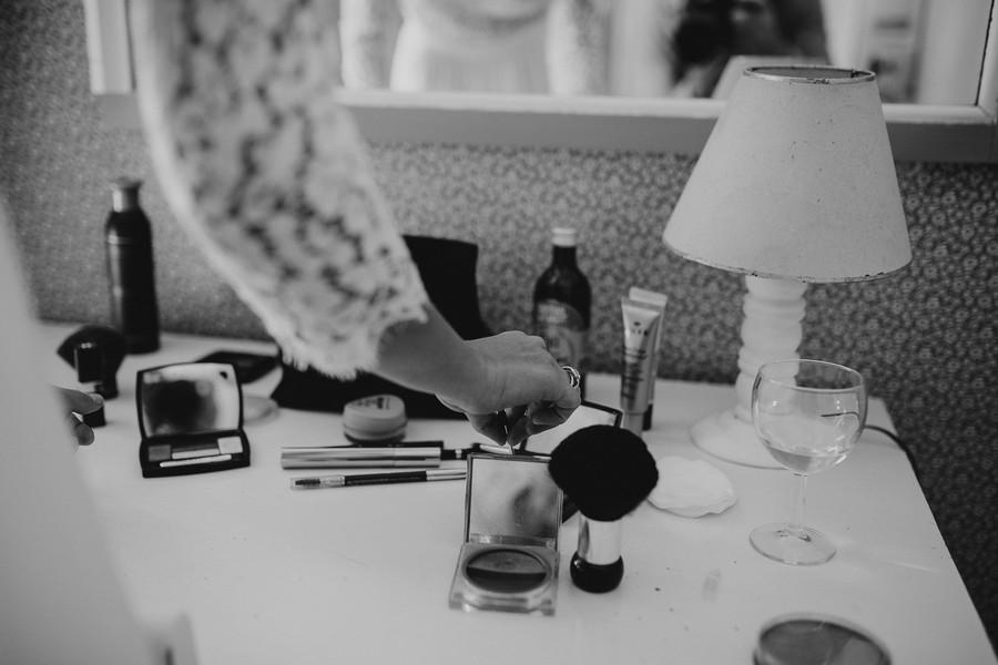 maquillage bureau noir blanc