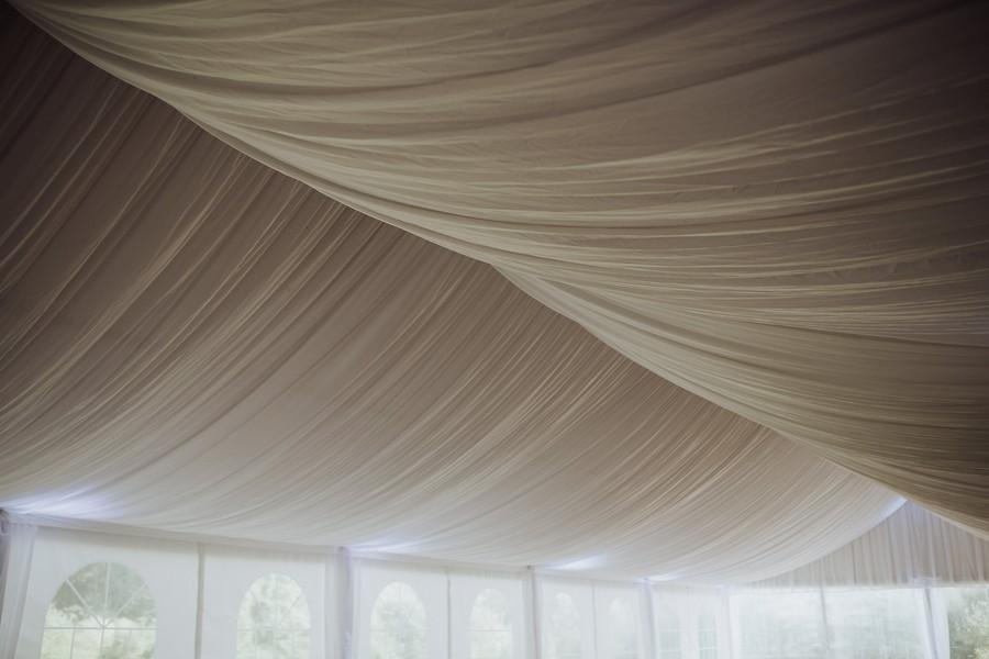 salle réception mariage manoir Kerougas Asserac plafond