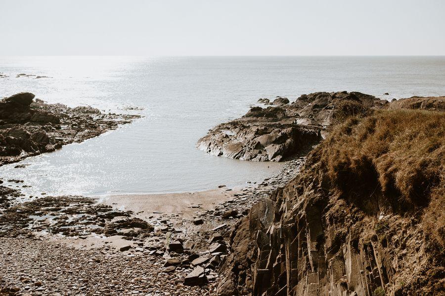 baie cayola rochers mer soleil