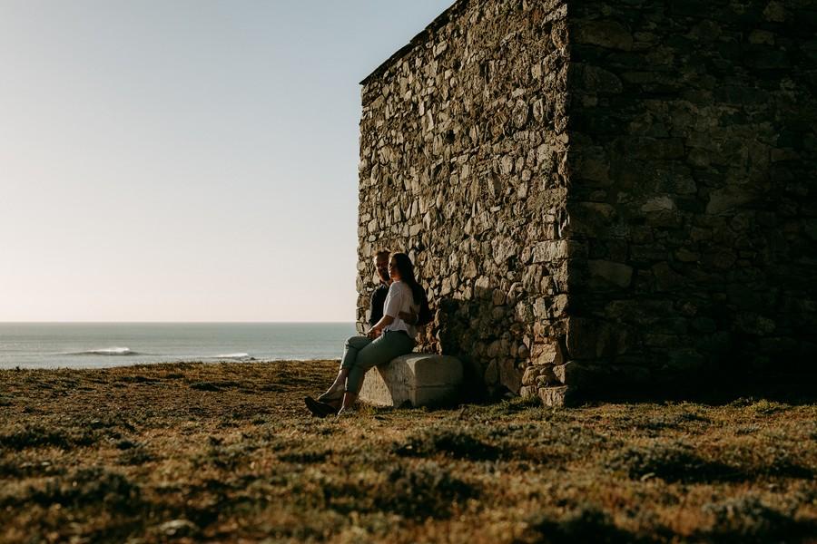 maison pierre plage paracou mer vague couple banc
