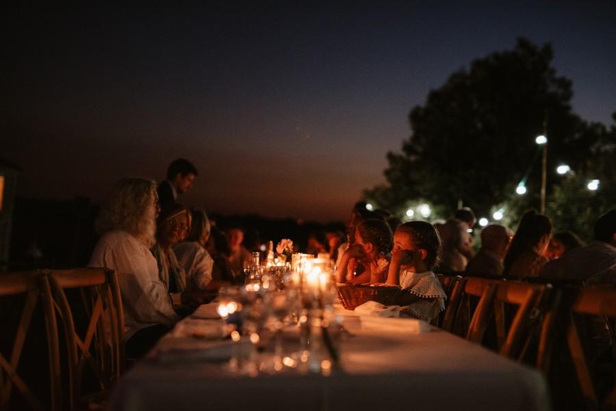 dîner mariage nuit extérieur