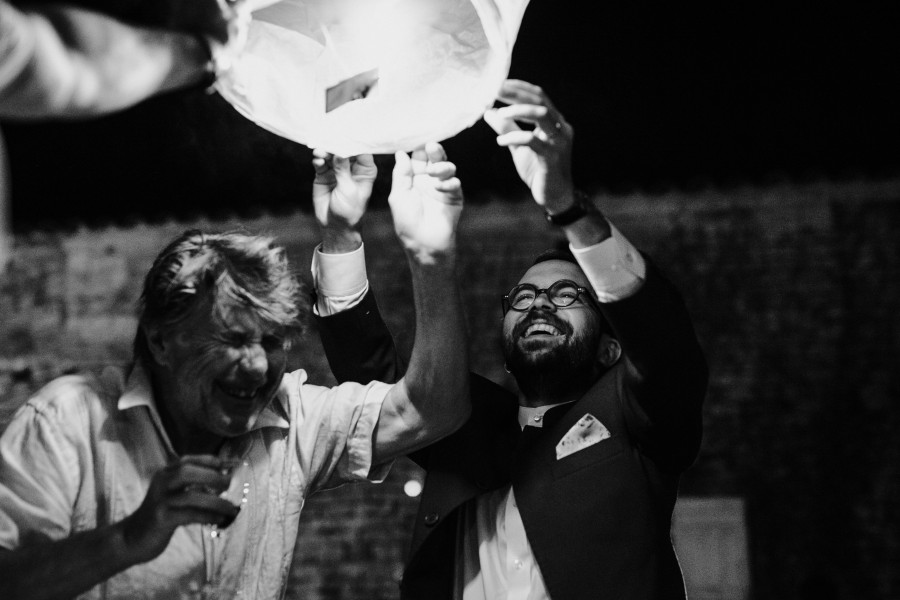 lanterne chinoise marié invité mort rire