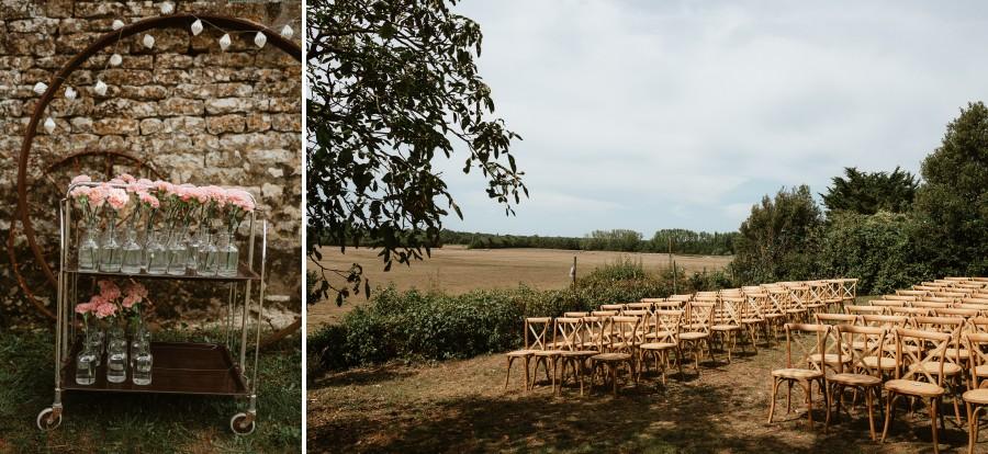 cérémonie laïque chaise paysage oeillets bouteilles verre