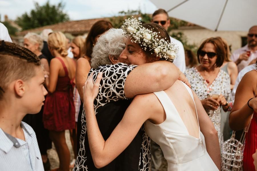 embrassade félicitations mariage maman mariée