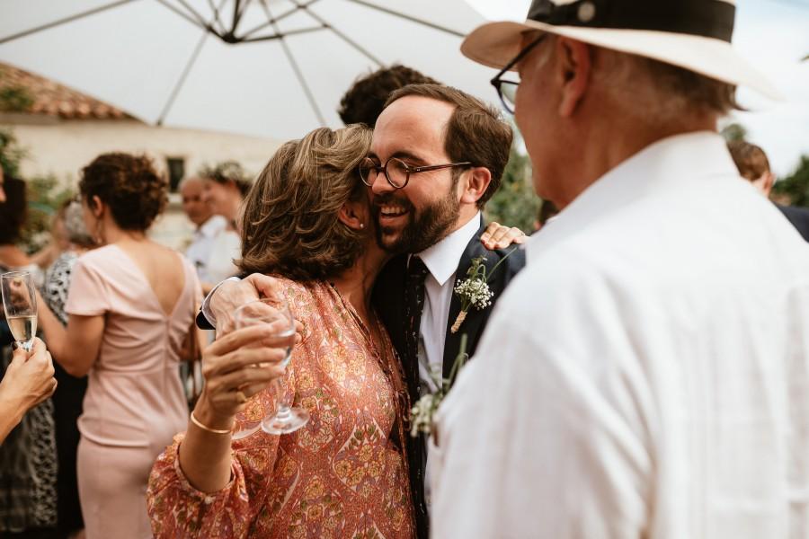 marié sourit cocktail félicitations mariage