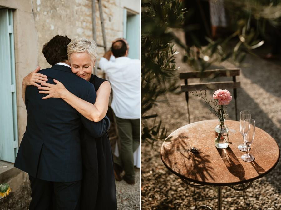 calin marié invitée amis table fleur soleil