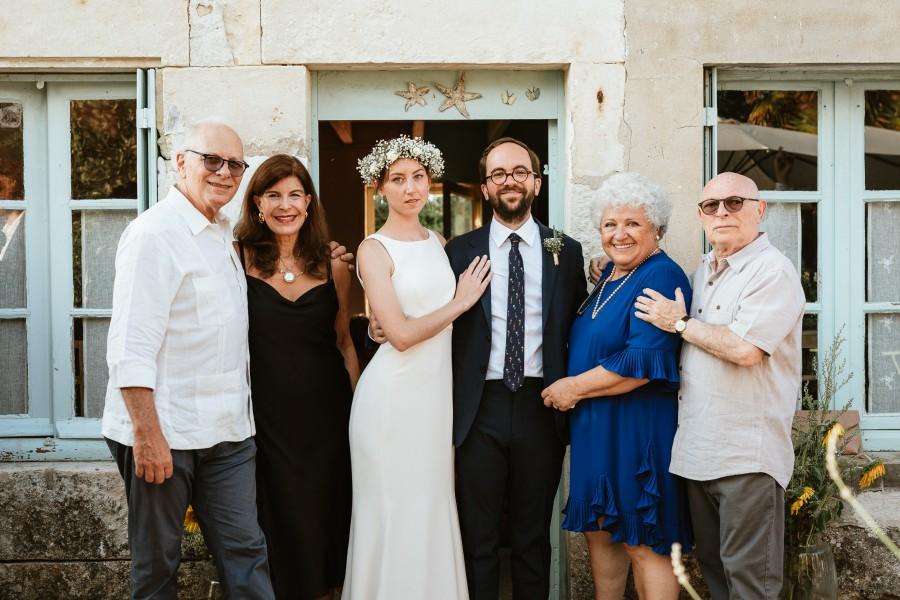 photo groupe famille maison pierre