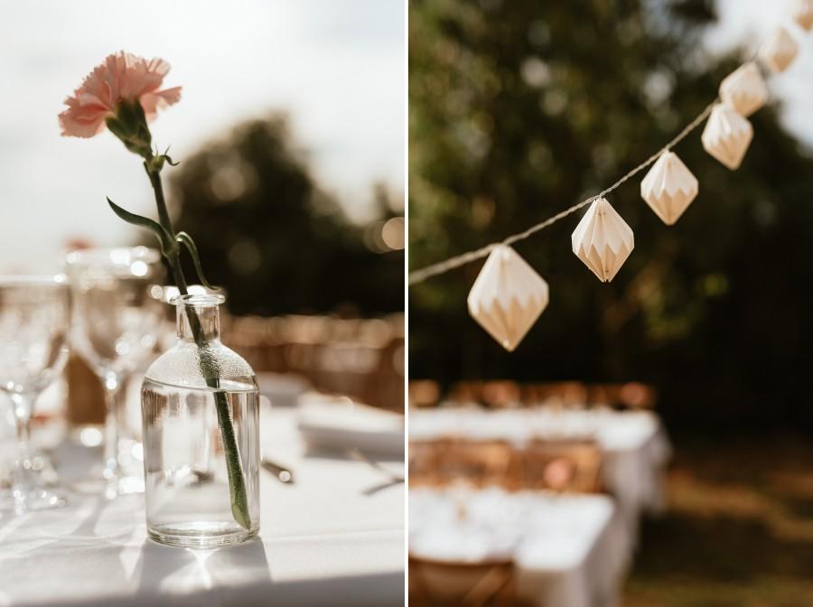 réception mariage ambiance guinguette fleurs guirlandes